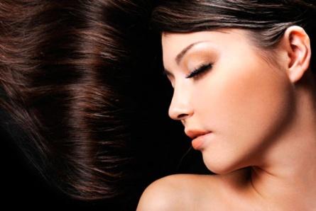 Причины выпадения волос у девушек 17 лет