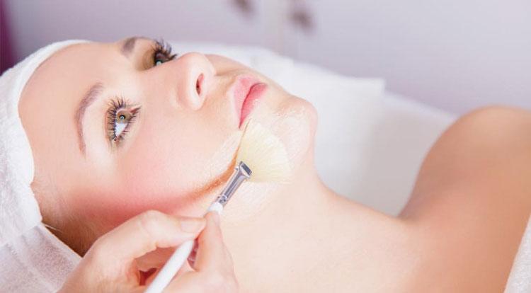 УЗ чистка лица, пилинги и процедуры по уходу за лицом со скидкой до 60% в салоне-парикмахерской «Моне»