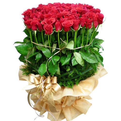 Большой красивый букет роз