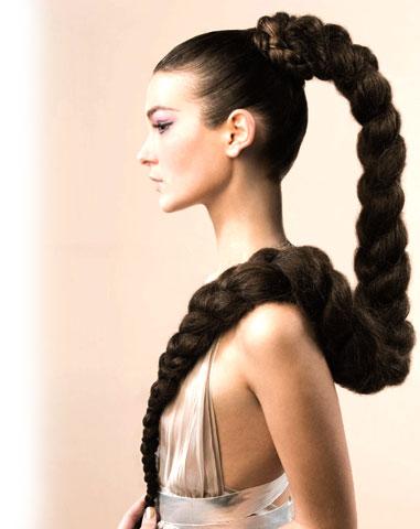Каких только кос не плетут сегодня: женственные косы вокруг головы в...